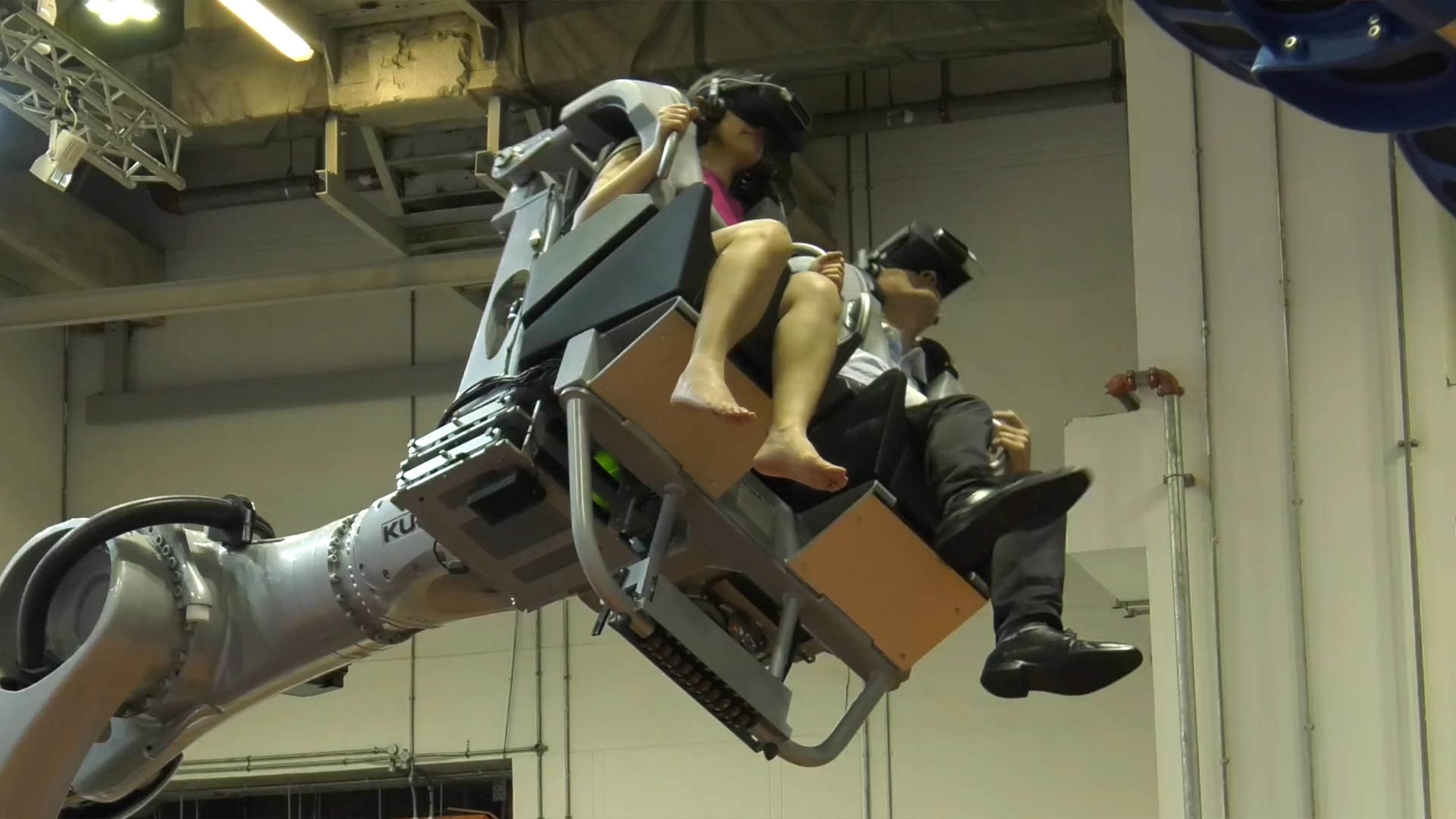 R3ex - Rideable Realtime Robotic Experiences (1).mp4_20200608_110853.776.jpg